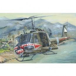 HB81806 UH-1 Huey B scala 1-18