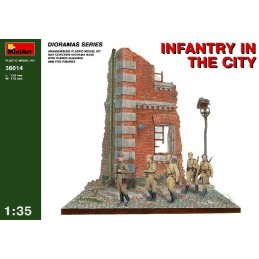 MA360141/35 INFANTRY IN...