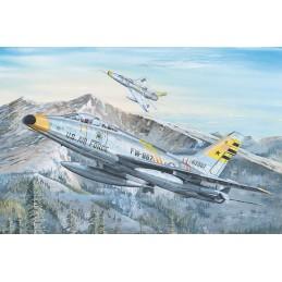 TR 02246 F-100F SUPER SABRE...