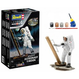 REVELL 03702 1/8 Apollo 11...